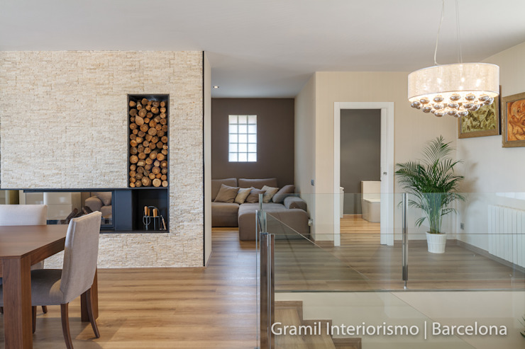 Vivienda en Cesalpina Pasillos, vestíbulos y escaleras de estilo moderno de Gramil Interiorismo II - Decoradores y diseñadores de interiores Moderno
