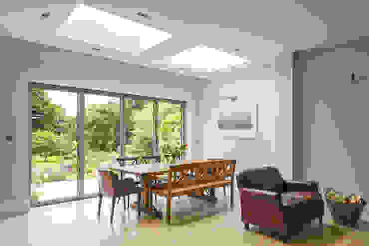 Hare Lane Minimalistische Esszimmer von Frost Architects Ltd Minimalistisch