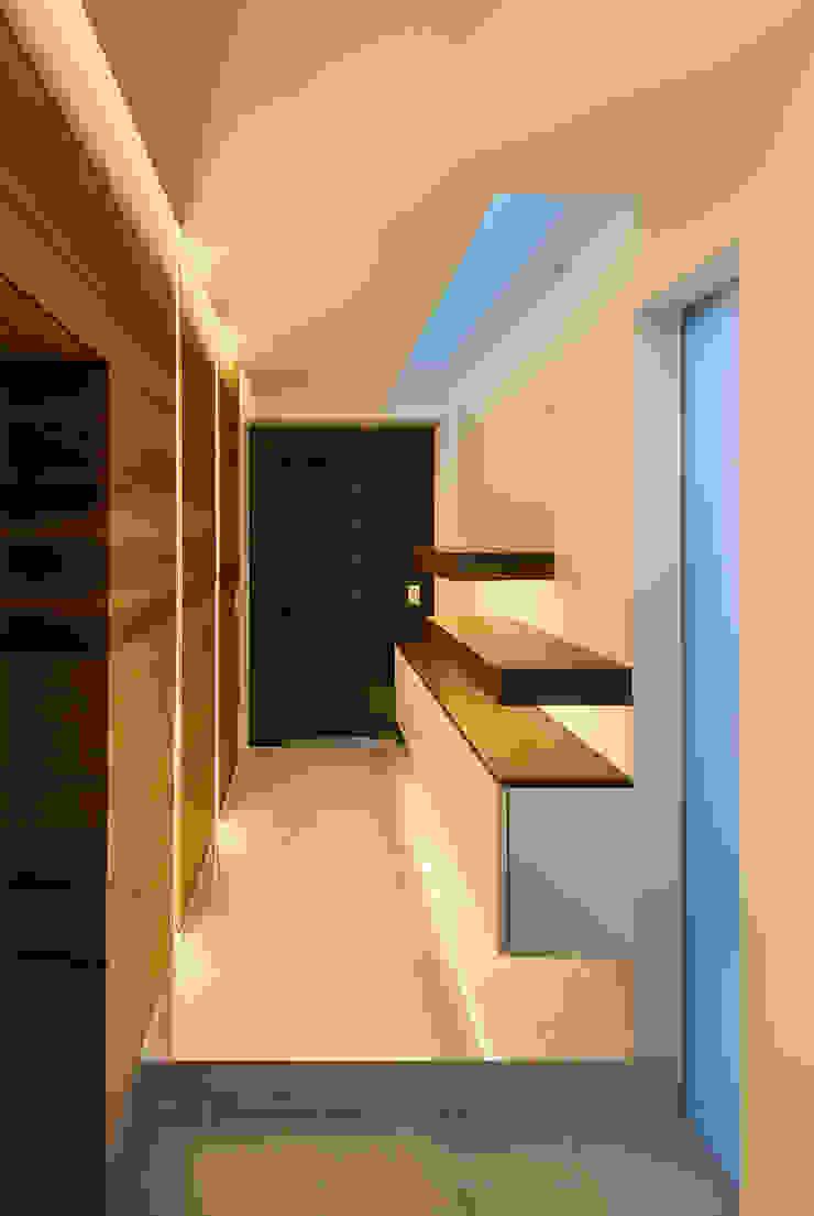 Hành lang, sảnh & cầu thang phong cách hiện đại bởi Architect Show Co.,Ltd Hiện đại