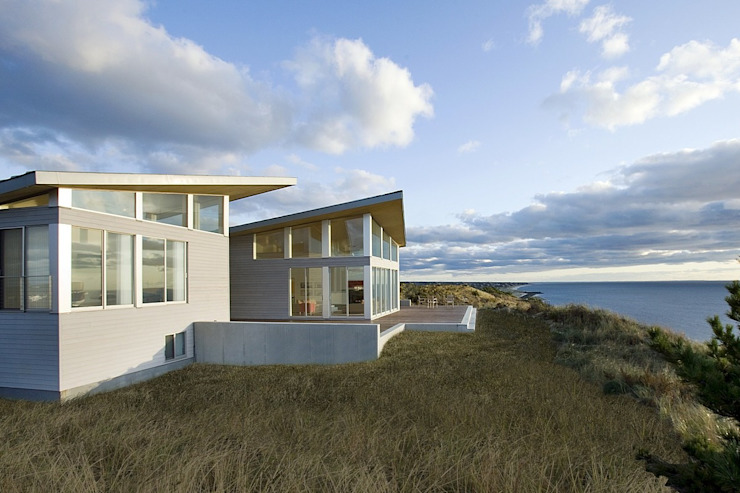 Modern beach house in the dunes ZeroEnergy Design Modern houses Grey