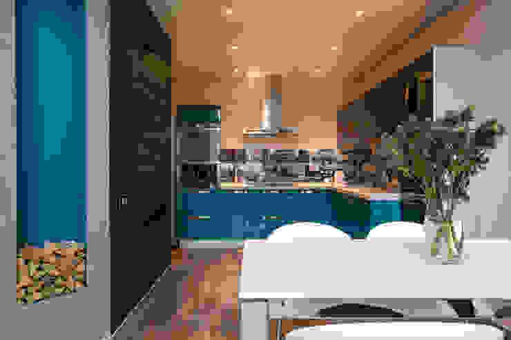Кухня Кухня в стиле лофт от Дизайн студия 'Декотренд' Лофт