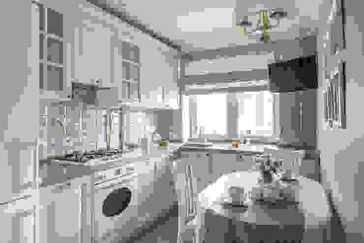 Кухня: Кухни в . Автор – Дизайн студия 'Декотренд', Классический