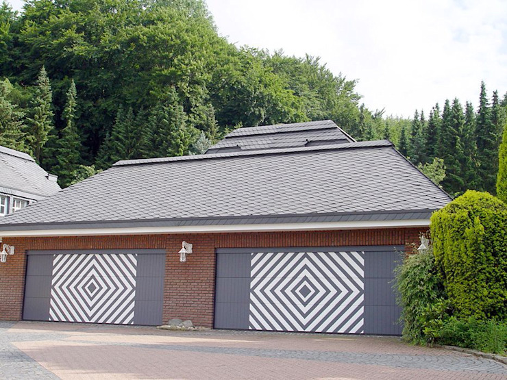 homify Country style garage/shed Slate Black