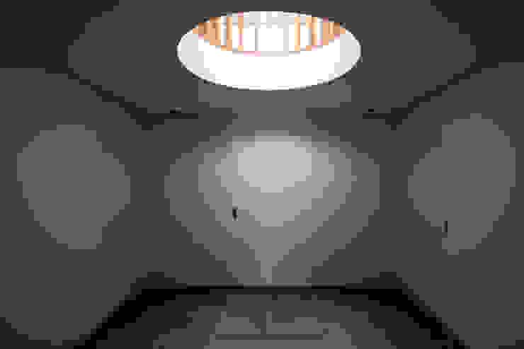 Empfangshalle geschlossen ARCHITEKTEN BRÜNING REIN Moderner Flur, Diele & Treppenhaus