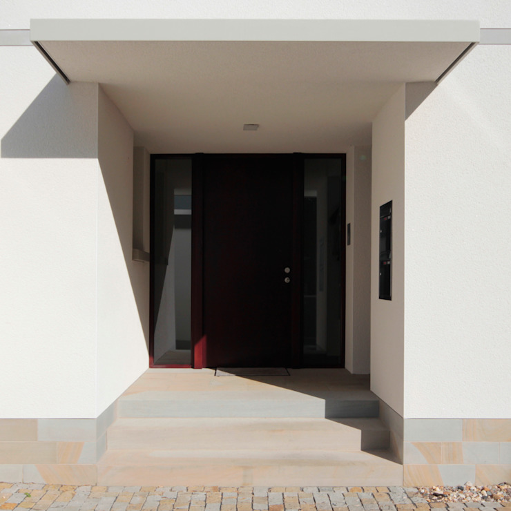 Eingang ARCHITEKTEN BRÜNING REIN Moderne Fenster & Türen