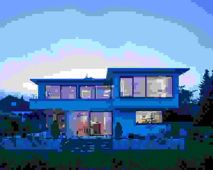 บ้านเดี่ยว by KitzlingerHaus GmbH & Co. KG