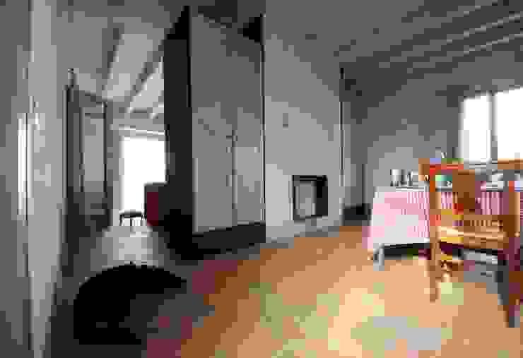 Dispensa Cucina in stile rustico di Falegnameria Ferrari Rustico