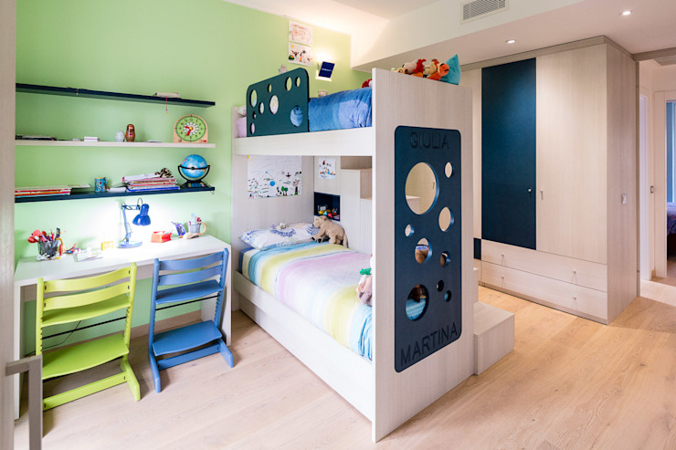Modern nursery/kids room by 23bassi studio di architettura Modern