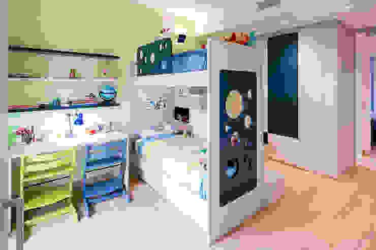 23bassi studio di architettura Modern nursery/kids room