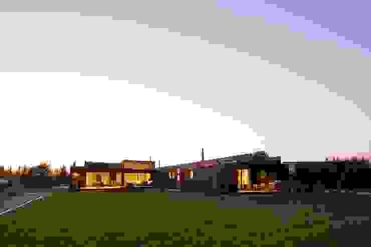 SUN Arquitectos Modern houses