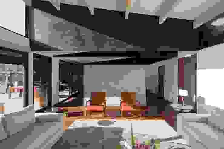 SUN Arquitectos Salas de estilo moderno