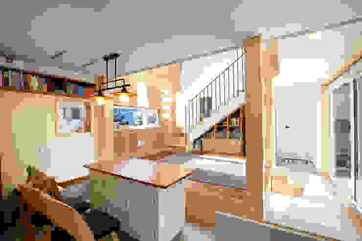 응접실 모던스타일 거실 by 주택설계전문 디자인그룹 홈스타일토토 모던 우드 우드 그레인