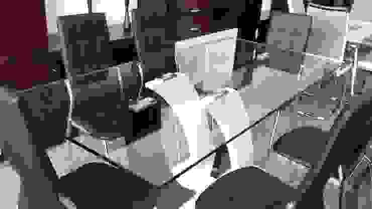 Mesa de vidrio templado y sillas base cromada de Disegno´s Moderno Vidrio