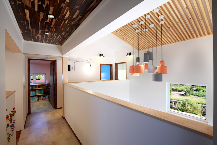 주택설계전문 디자인그룹 홈스타일토토 Pasillos, vestíbulos y escaleras de estilo moderno