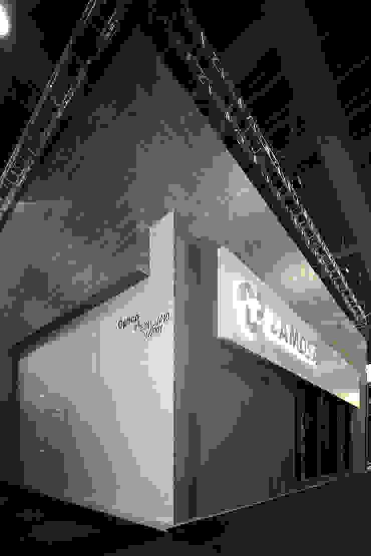 Stand Bambú - Local 10 Arquitectura Estudios y despachos modernos de Local 10 Arquitectura Moderno Ladrillos