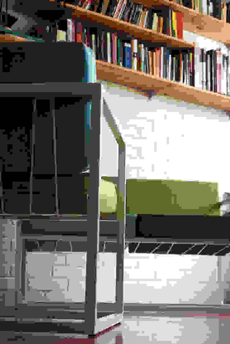 Sofá de dos puestos (modelo Cuatro) de CASA-BE Minimalista Hierro/Acero