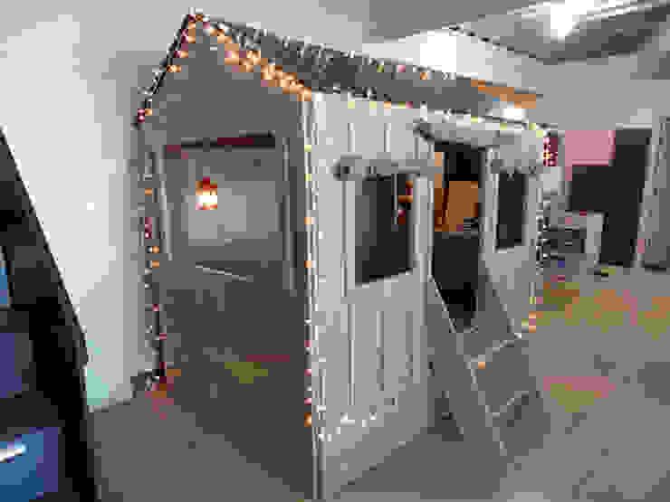 Hermosa casita estilo mediterráneo con cama nido de camas y literas infantiles kids world Mediterráneo Derivados de madera Transparente