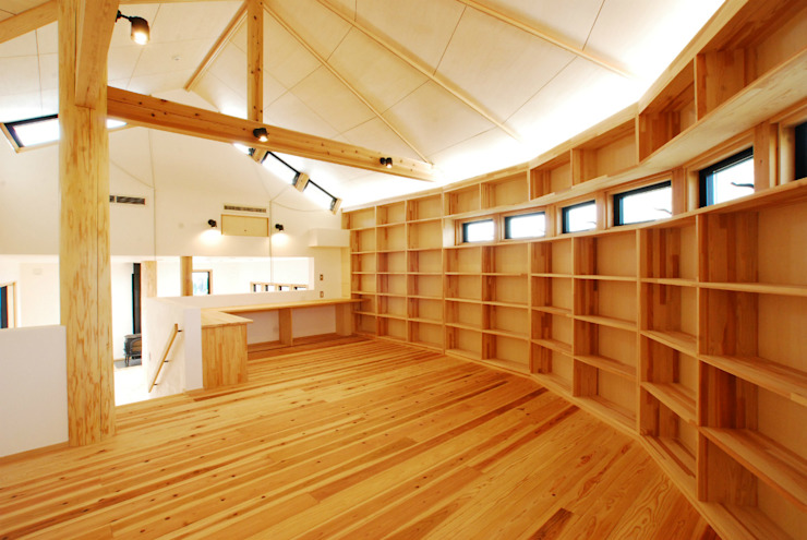 Study/office by SSD建築士事務所株式会社, Modern Solid Wood Multicolored