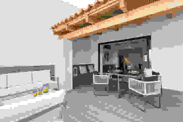 Varandas, marquises e terraços modernos por ISLABAU constructora Moderno