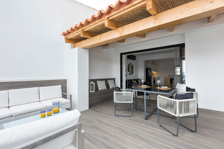 Balkon, Beranda & Teras Modern Oleh ISLABAU constructora Modern