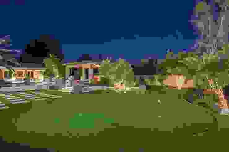 Putting Greens e Relvados artificias. Jardins campestres por ECOSSISTEMAS; Áreas Verdes e Sistemas de Rega. Campestre