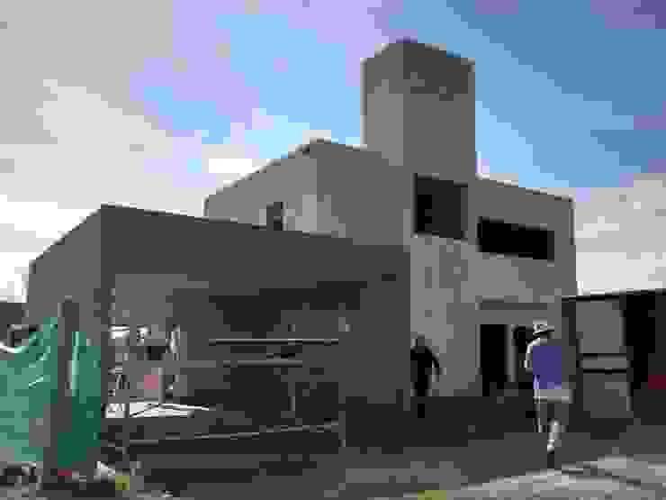 Casas de estilo  por ARQUITECTA CARINA BASSINO, Moderno