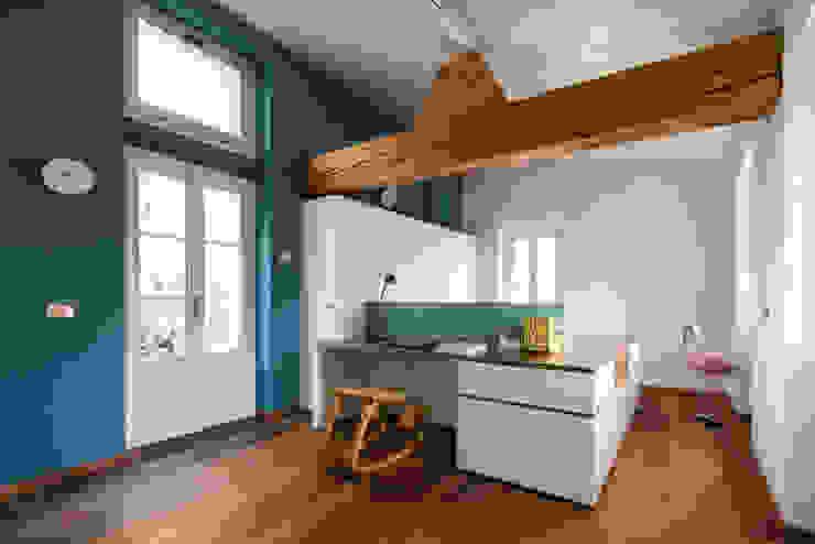 La stanza di Gio Camera da letto moderna di Stefano Viganò Architetto Moderno