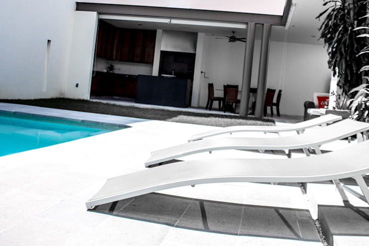 by 2M Arquitectura Minimalist