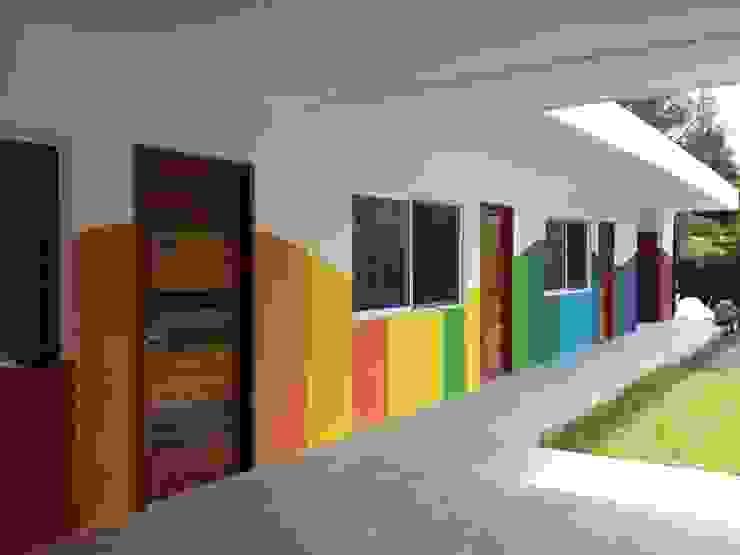 Fachada Interior Casas modernas de Manuel Aguilar Arquitecto Moderno Concreto