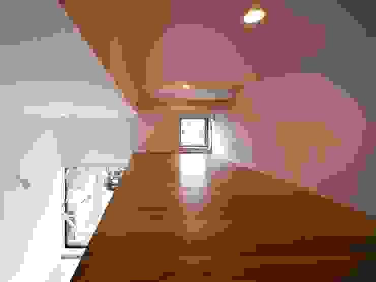 6th studio / 一級建築士事務所 スタジオロク Modern garage/shed Wood