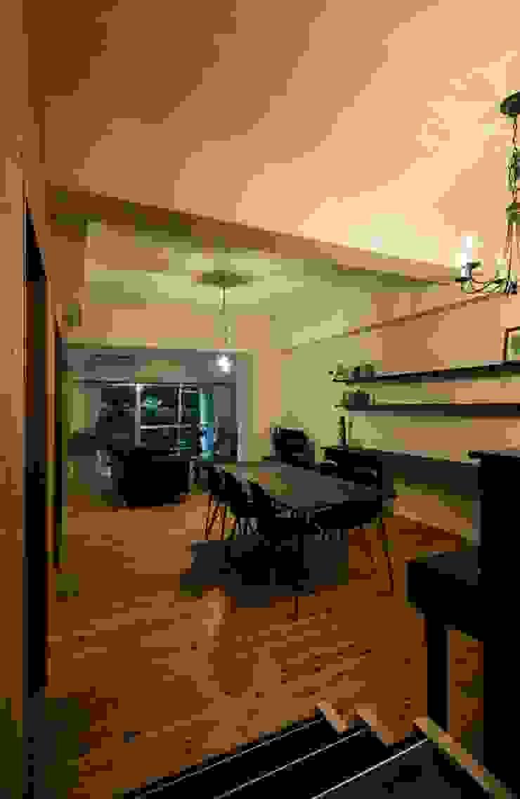 6th studio / 一級建築士事務所 スタジオロク Modern dining room Wood