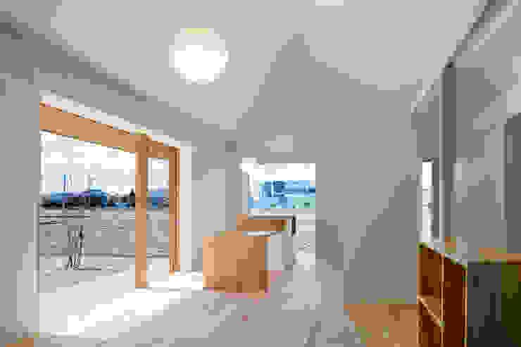 リビング・ダイニング・キッチン hm+architects 一級建築士事務所 オリジナルデザインの ダイニング