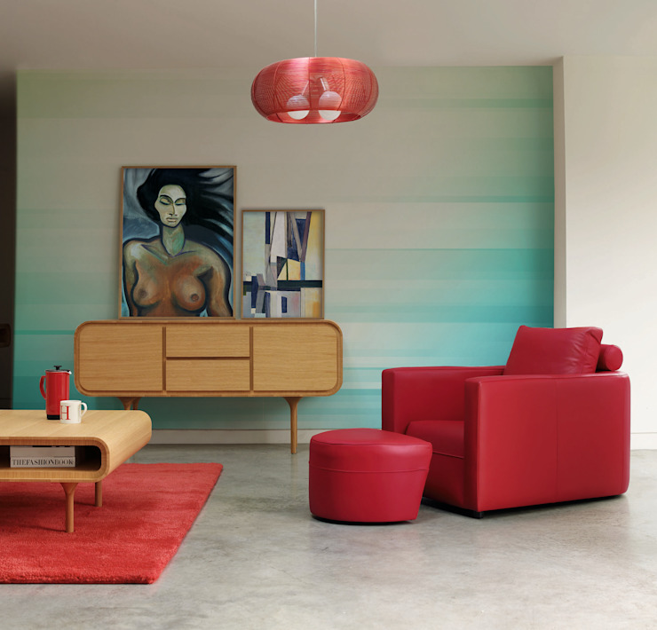Feminine Touch:  Living room by Pixers,