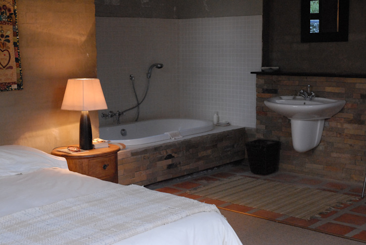 Forest Edge Guest House, Clarens Industrial style bathroom by Reinier Brönn Architects & Associates Industrial