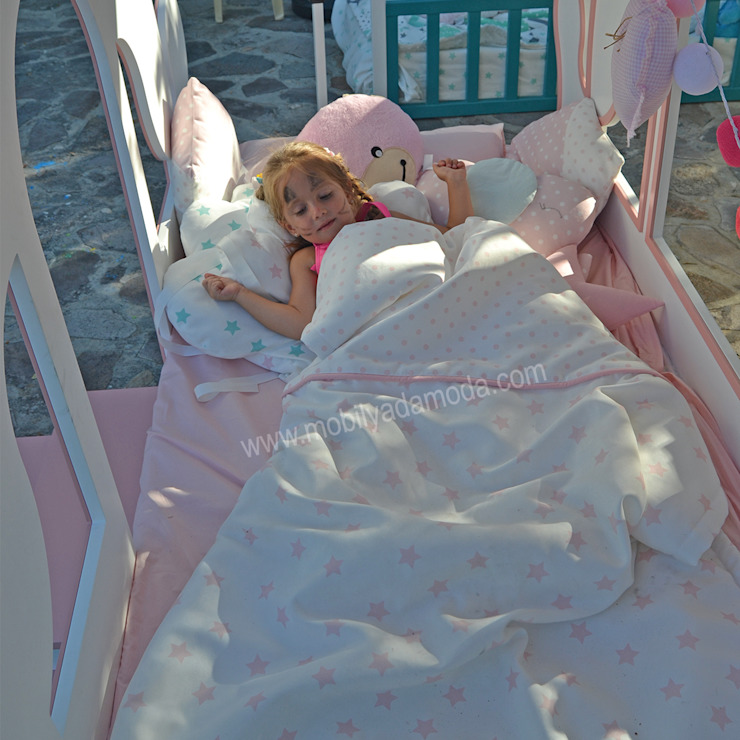 MOBİLYADA MODA  – Mobilyada Moda Tasarımı Balkabağı Araba Prenses Karyola: modern tarz , Modern Ahşap Ahşap rengi