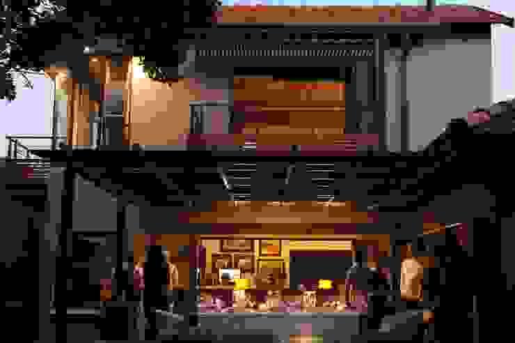 House Brönn (Bloemfontein, Free State) Industrial style houses by Reinier Brönn Architects & Associates Industrial