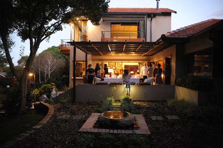 House Brönn (Bloemfontein, Free State) Industrial style houses by Reinier Brönn Architects & Associates Industrial
