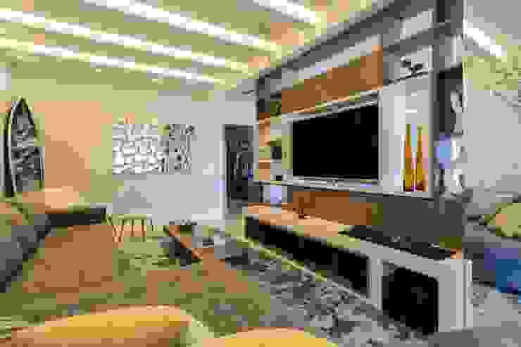 Гостиная в стиле модерн от ROPE Engenharia Модерн