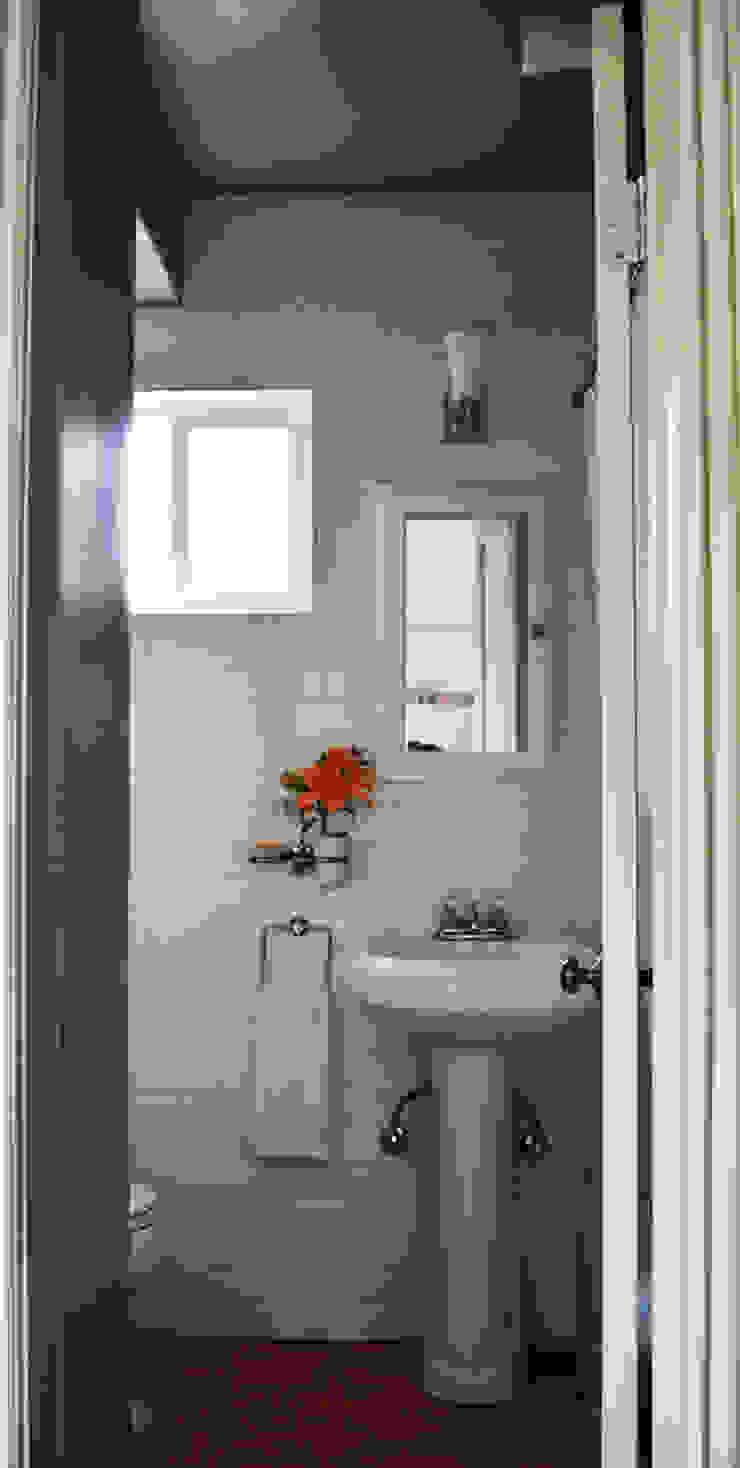 Modern bathroom by Erika Winters Design Modern
