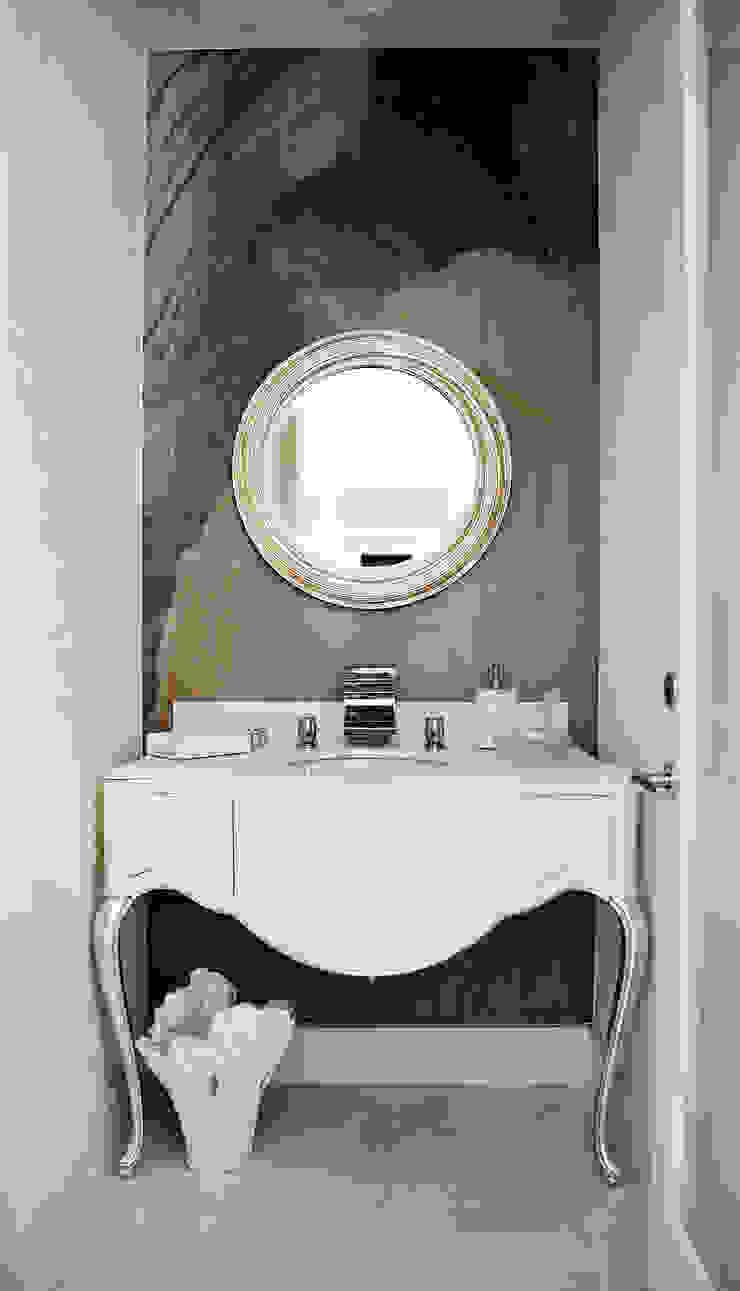 Erika Winters Design Classic style bathroom