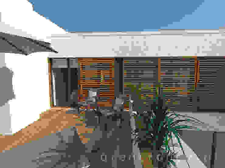 Varanda Varandas, marquises e terraços modernos por Areabranca Moderno