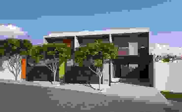 Casas modernas por Lozí - Projeto e Obra Moderno