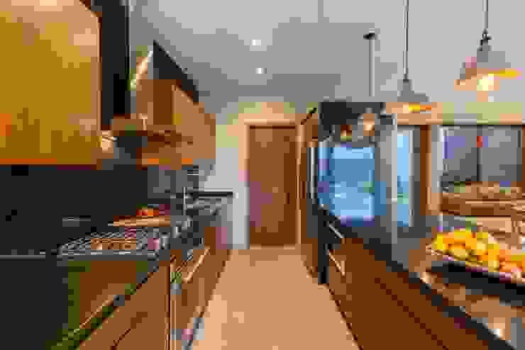Hogar OV. Cocinas industriales de Lozano Arquitectos Industrial Granito