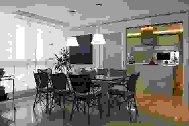 SALA DE ALMOÇO Salas de jantar rústicas por Liane Mazeron Rump Arquitetura Rústico