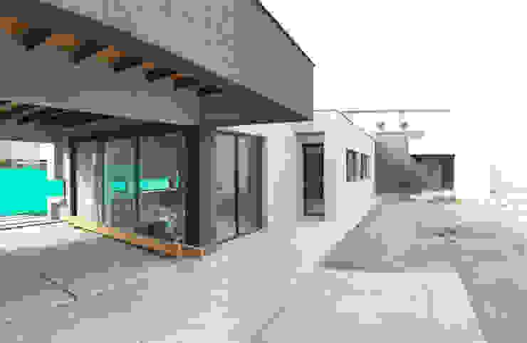 galeria Casas modernas: Ideas, imágenes y decoración de modulo cinco arquitectura Moderno Hormigón