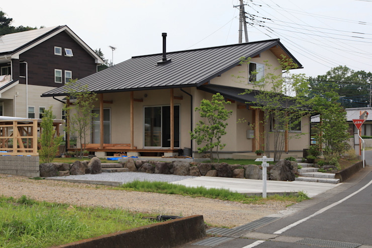 Eclectic style houses by 田村建築設計工房 Eclectic