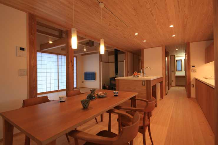 Eclectic style dining room by 田村建築設計工房 Eclectic