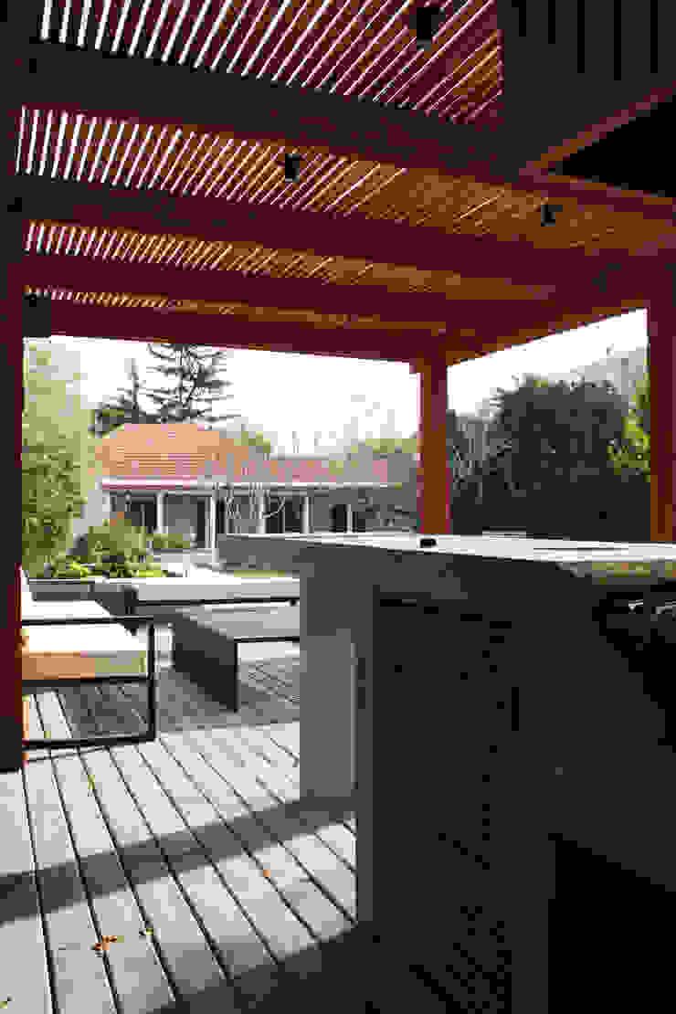 by ESTUDIO BASE ARQUITECTOS Mediterranean Concrete
