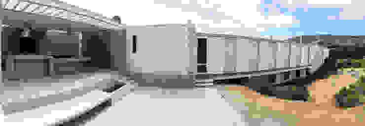 Casas de estilo mediterráneo de ESTUDIO BASE ARQUITECTOS Mediterráneo