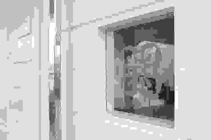 โดย Atelier Plural โมเดิร์น กระจกและแก้ว